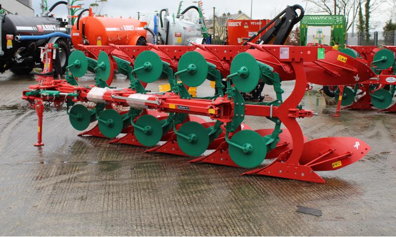 Kverneland ES 5 Furrow Plough