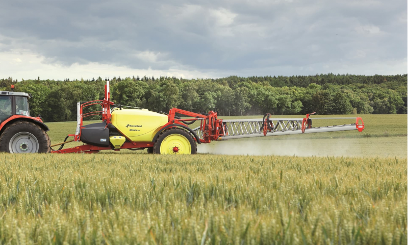 Kverneland iXtrack A,B Trailed Sprayer