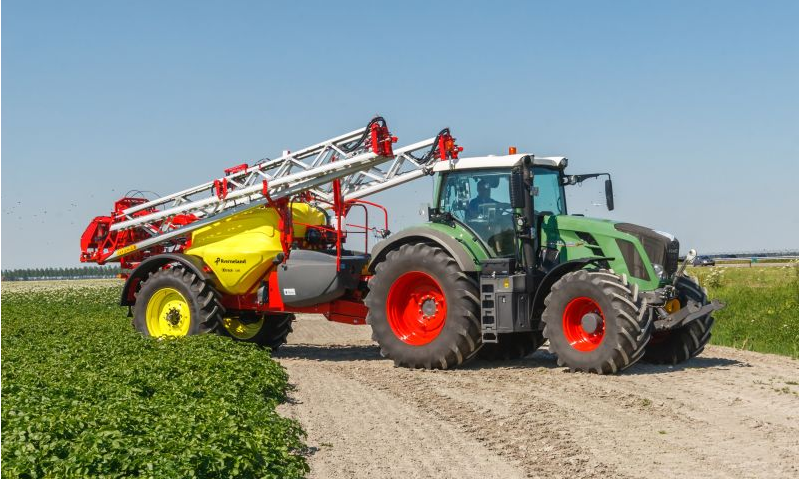 Kverneland iXtrack C Trailed Sprayer