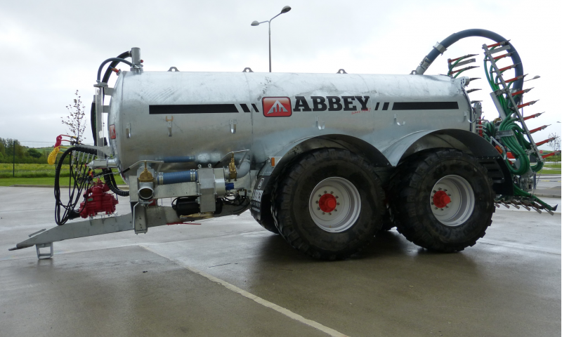 Abbey Tandem Axle Recessed Tanks